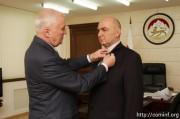 Леонид Тибилов наградил гендиректора БТК-4 Казбека Кочиева Орденом Дружбы
