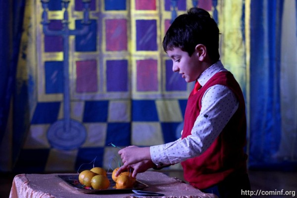 Для школьников Южной Осетии устроили сказку на Президентской елке