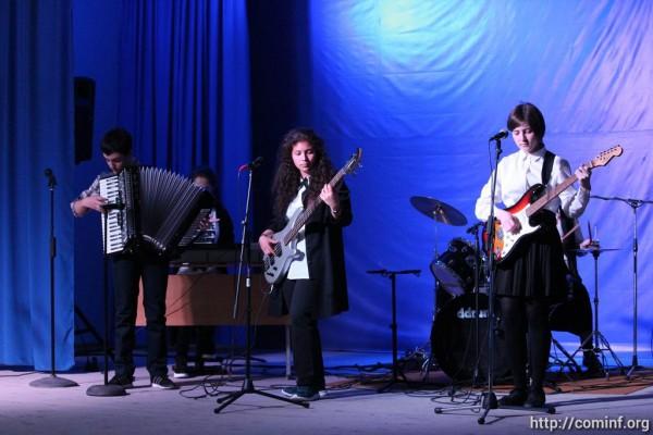 В государственном лицее искусств Южной Осетии провели отчетный концерт