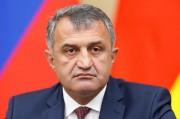 Бибилов: День России символизирует национальное единство и независимость