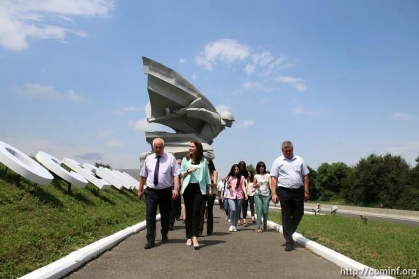 В память о битве за Владикавказ: журналисты Южной Осетии посетили «Барбашово поле»