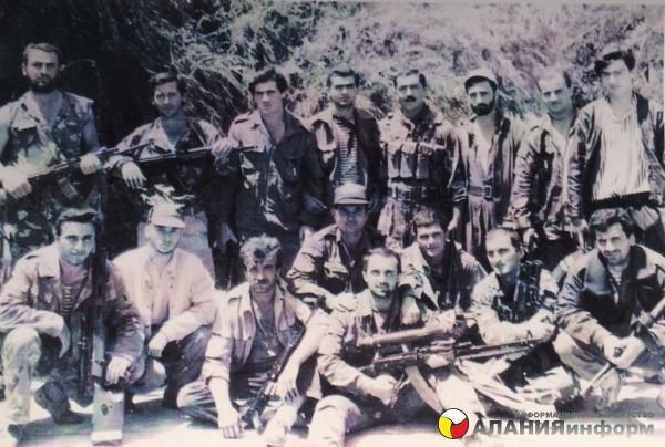 Публикуется впервые!  Юго-осетинские ополченцы 1991г.