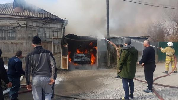 В Цхинвале сгорела машина, пострадавших нет, - МЧС