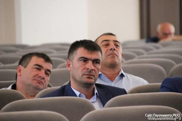 Депутаты утвердили составы президиума и комитетов парламента Южной Осетии