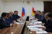 Анатолий Бибилов обсудил с Игорем Кошиным вопросы реализации российской Инвестпрограммы
