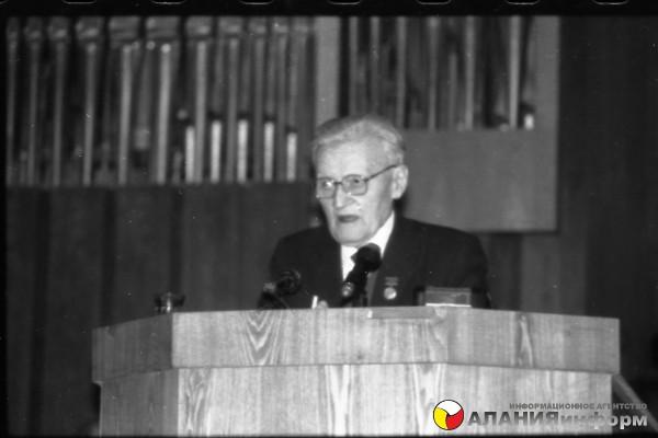 Избранные фотографии Макиева Тамаза снятые с 23 ноября 89г по июнь 1992г